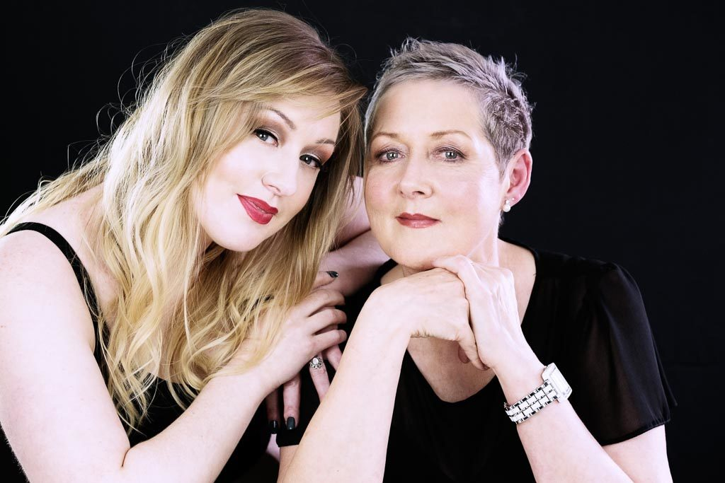 MUM-AND-DAUGHTER-PHOTOSHOOT