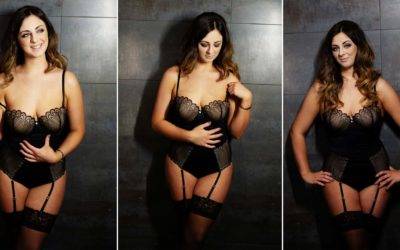 CHANGE THE WAY YOU SEE YOURSELF WITH A BOUDOIR EXPERIENCE