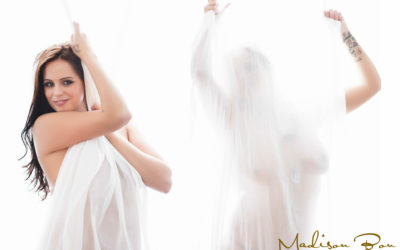 BEST BOUDOIR PHOTOGRAPHY – A RISK WORTH TAKING